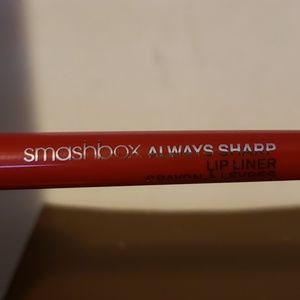 Smashbox always sharp lip liner crimson
